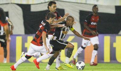 Botafogo empata com Vitória e segue na zona da degola