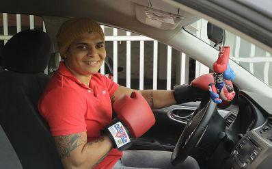 Uber olímpico: pugilista Adriana Araújo faz bico pra se sustentar