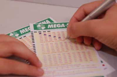 Mega-Sena pode pagar R$ 135 milhões