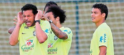 Seleção Brasileira volta aos treinos empolgada e com muita descontração
