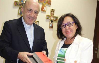 Lídice entrega relatório de CPI ao Arcebispo Primaz do Brasil