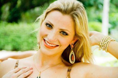 Fernanda Colombo Uliana estaria cobrando cachê de R$ 10 mil para presença VIP
