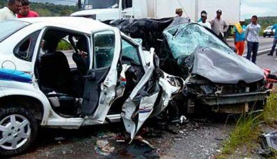 Sobe para oito o número de mortos em acidente na BR-101