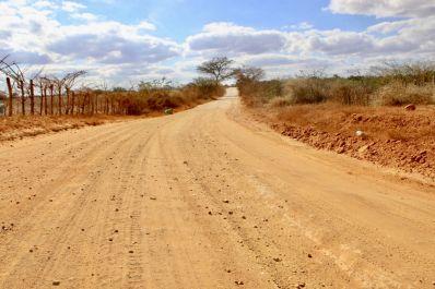 Prefeitura de Ibititá recupera 40 km de estradas vicinais com recursos próprios