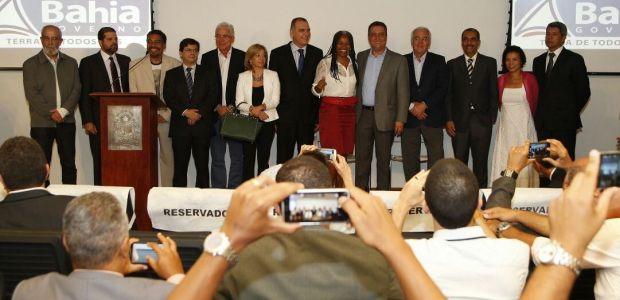 Rui Costa completa equipe de secretários