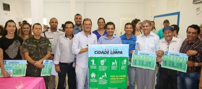 Prefeitura de Irecê lança campanha Cidade Limpa