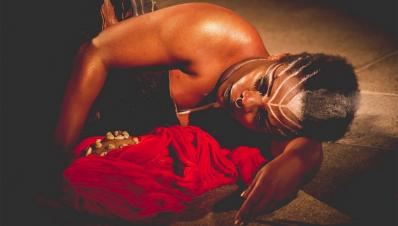 #MedeiaNegra Releitura de tragédia grega fala de empoderamento feminino