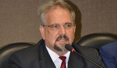 Comissão da Verdade vai devolver mandatos de deputados cassados durante Ditadura Militar
