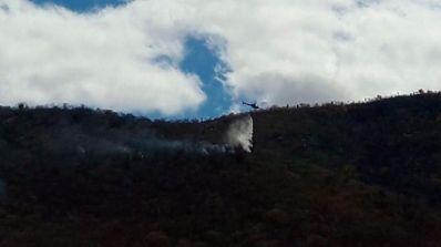 Com auxílio de helicóptero, brigadas debelam incêndios na Chapada