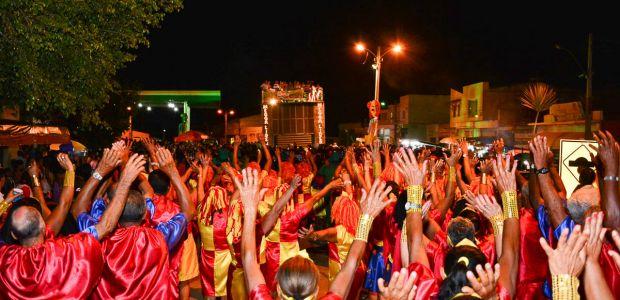 Ibititá: Conto de Fadas se torna realidade no II Carnaval da 3ª Idade