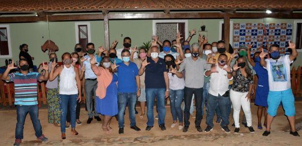 Beto Lélis sela aliança e traz 23 candidatos à base de Luizinho Sobral