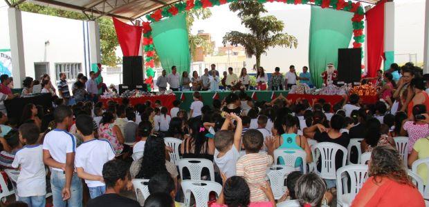 Luizinho Sobral inaugura primeira escola de tempo integral de Irecê