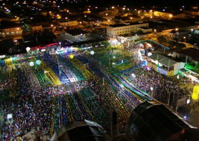 São João de Irecê: Calypso agita plateia e relembra maiores sucessos da carreira