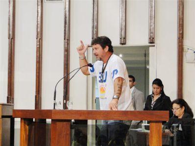Manassés move processo contra Sargento Isidório