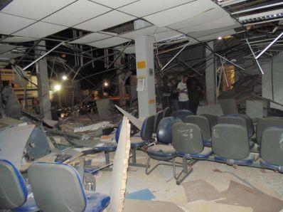 Mundo Novo: Bandidos explodem agências e assustam moradores