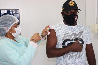 Morro do Chapéu realiza vacinação de pessoas com 35 anos ou mais na zona rural